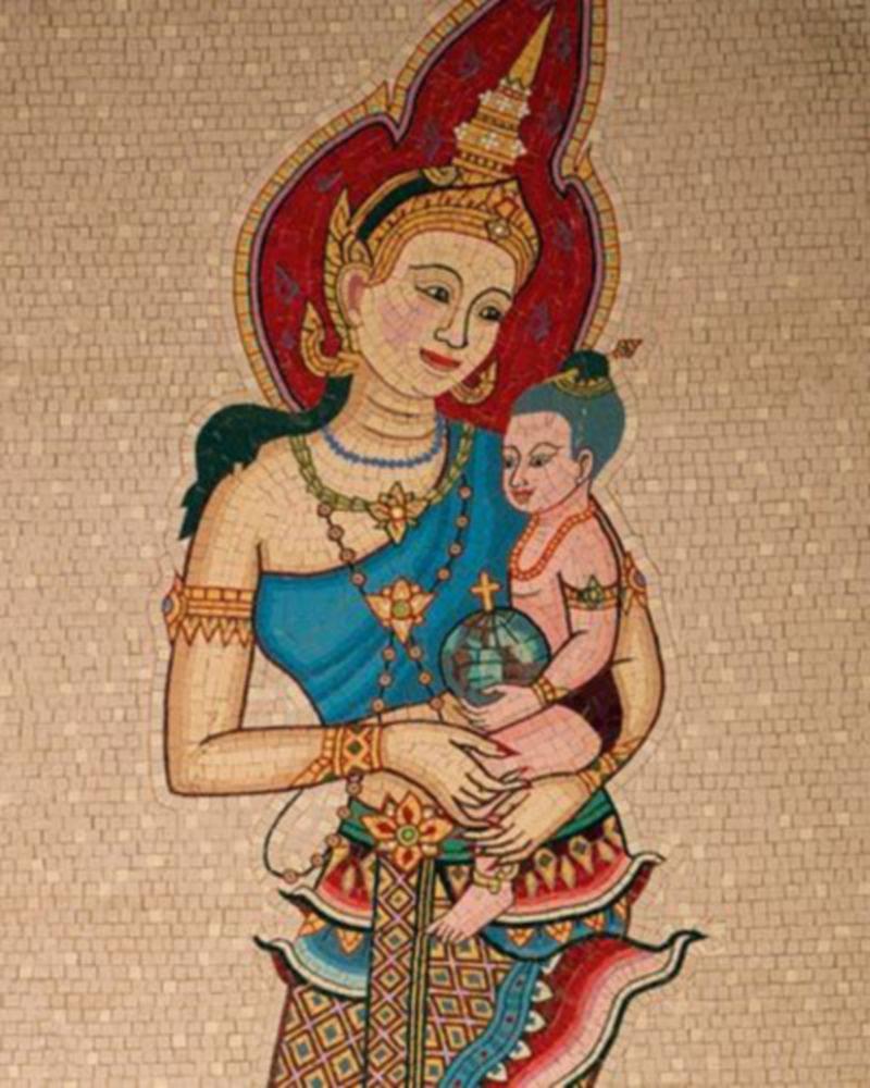 Virgen con el niño Jesús, mosaico en Tailandia